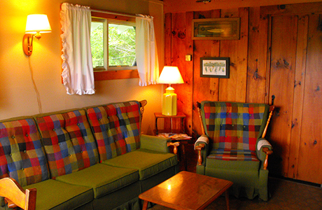 Cabin rental on lake willoughby 2 bedroom cabin wheeler for Wheeler dam cabins